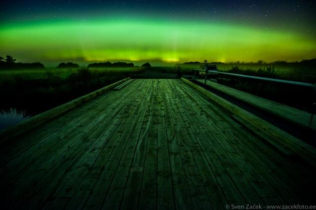 © Sven Začek - rohelised öövärvid. Vaatamata punasele orientatsioonile, suudab öisekd pildistamiseks mõeldud kaamera ideaalselt ka rohelist värvi talletada. Nikon D810A + Nikkor 14-24mm F2,8 @ 14mm. F2,8, 20s, ISO 3200.