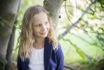 © Margit Grünthal -  Pilt 1. Varasügisesel päeval mõisapargis. Loomulik valgus ja siiras naeratus – muud ei olnudki vaja. Pildile eelnes meil üks tore vestlus omavahel.  Pildistatud Nikon D600+50mm f/1.8